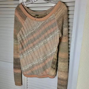 FREE PEOPLE SWEATER/EXCELLENT CONDITION